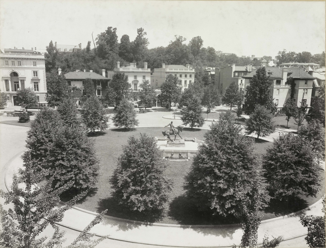 A black and white photograph showing Sheridan Circle in 1945 from Peoples Archive DCPL